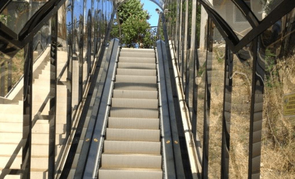 scale mobili uso pubblico ancona